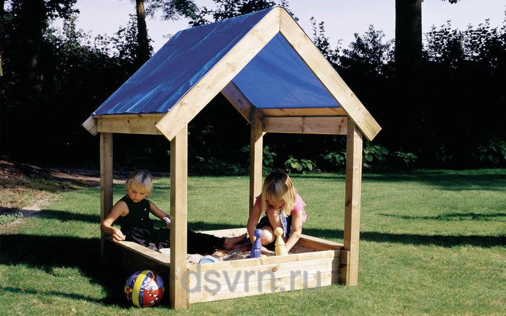 Как построить детскую песочницу с крышей